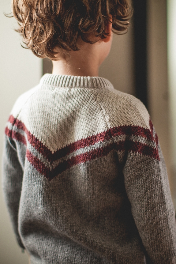 PULL AMOUR gris